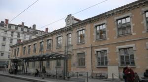 "A l'école Berthelot (Lyon 7) ""on en a ras-le-bol"" !"